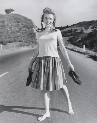 Dienes André de, Marilyn Monroe Barefoot on Highway