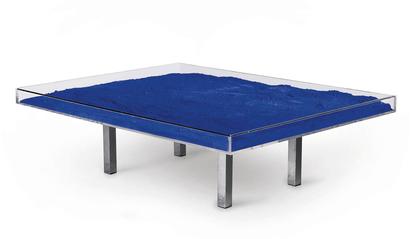 Table bleue, Klein TM