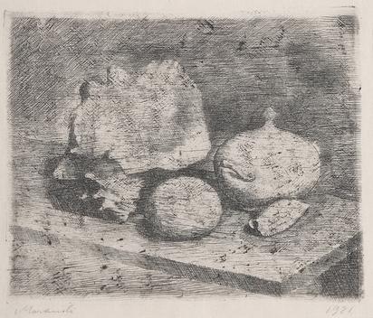Morandi Giorgio, Natura morta con zuccheriera, conchiglie e frutto