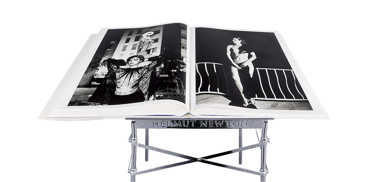 Newton Helmut, Book. Sumo (with original book stand)