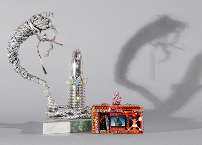 Abichandani Jaishri, 2 Werke: Untitled (Camera With God Tara and Cheerleader); Untitled