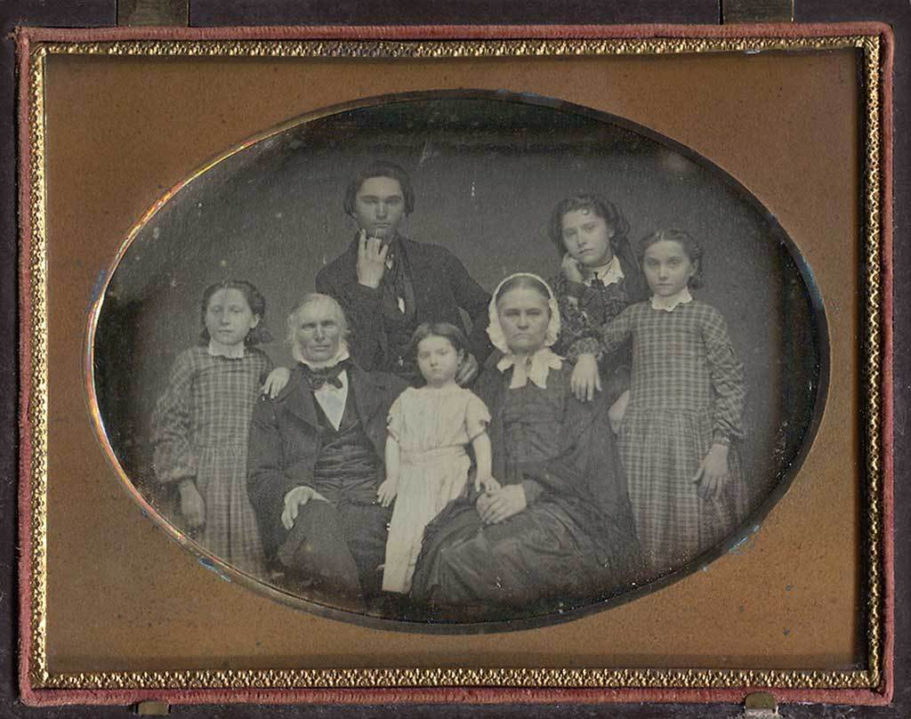Daguerreotypie, Portrait of a Family of 7 People, probably from  St. Johnsbury, Vermont