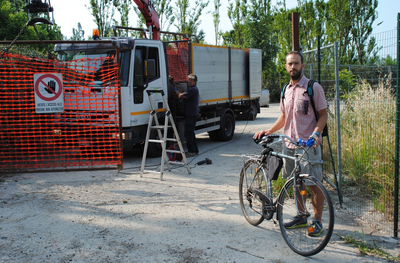 Interamente percorribile la pista ciclo pedonale su Lungo Po Europa: tolta la barriera al parcheggio del Flora
