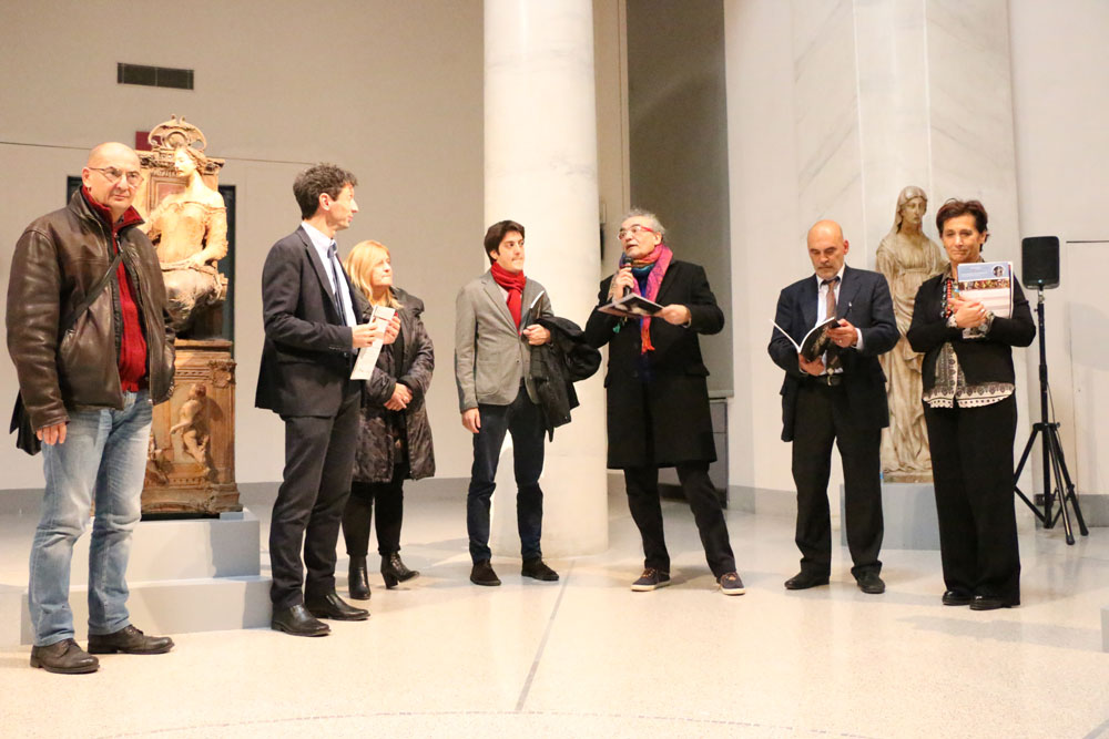 Alfa e Omega mater di Ugo Riva: fino al 29 gennaio al Museo Civico