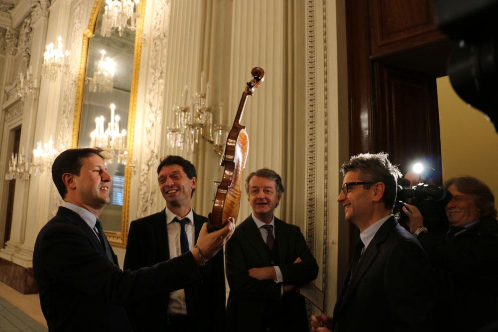 La bellezza di Michelangelo e Stradivari: da Strings City alleanza con Firenze per progetti su musica e liuteria
