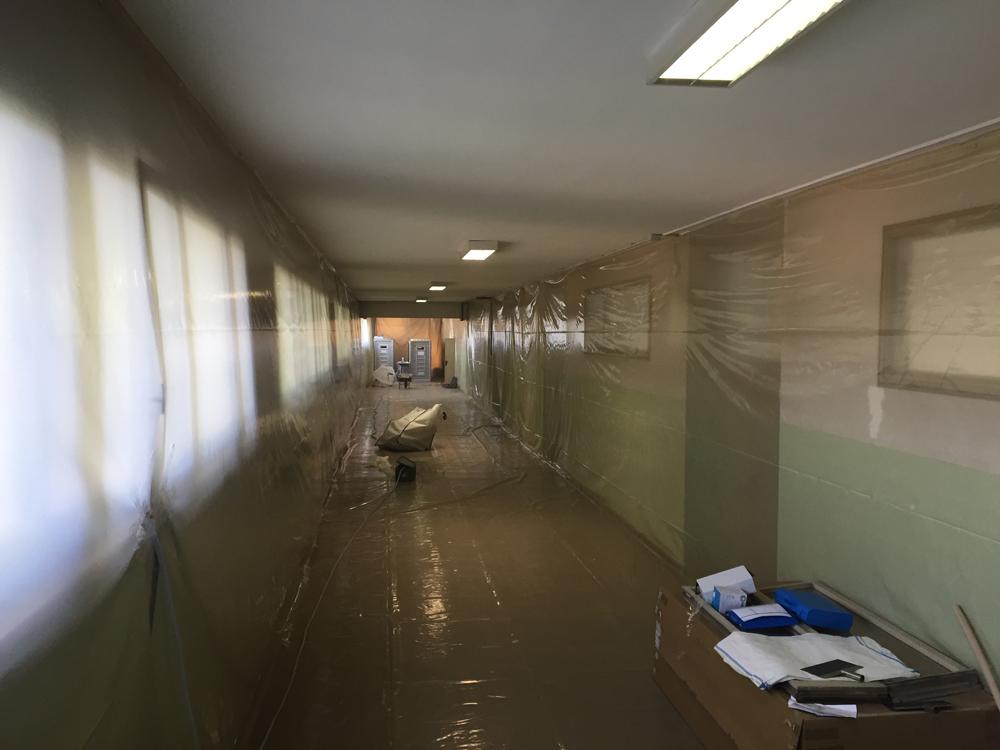 Scuola Virgilio: stiamo bonificando e rimuovendo 850 metri di pavimento in vinil amianto. Cantiere con criteri di massima sicurezza