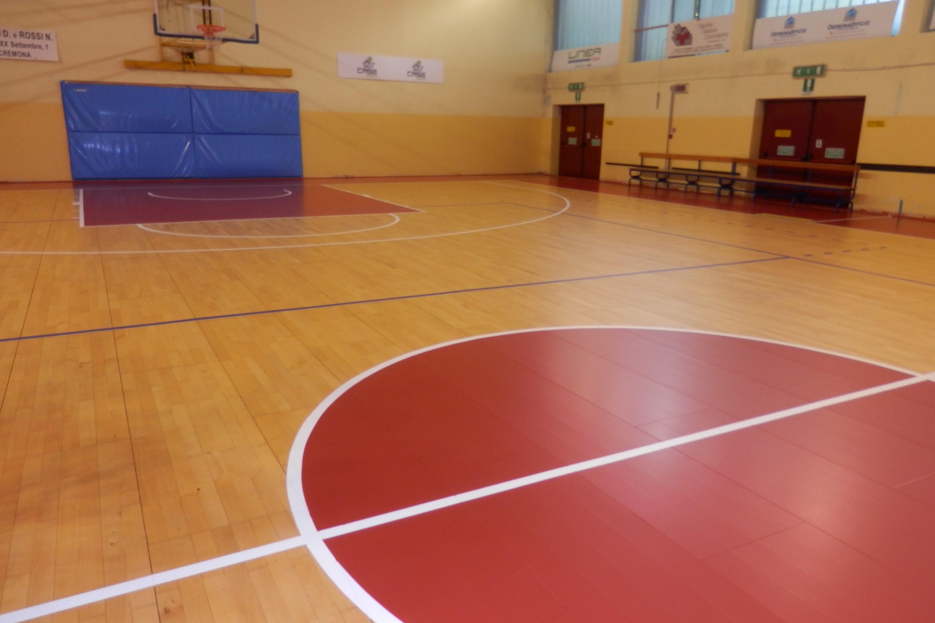 Nuovo parquet alla Palestra Spettacolo. Vincente la sinergia con le società di basket!
