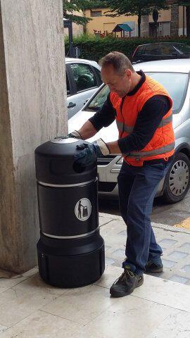 Nel 2019 Tari invariata per domestici, in calo per le attività E arrivano altri nuovi cestini. Il piano per rifiuti e decoro
