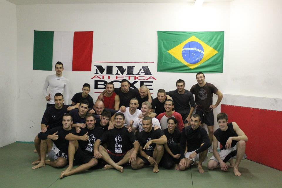 Mike Pyle vs. Paulo Thiago all UFC 142 Brazil part 2 1
