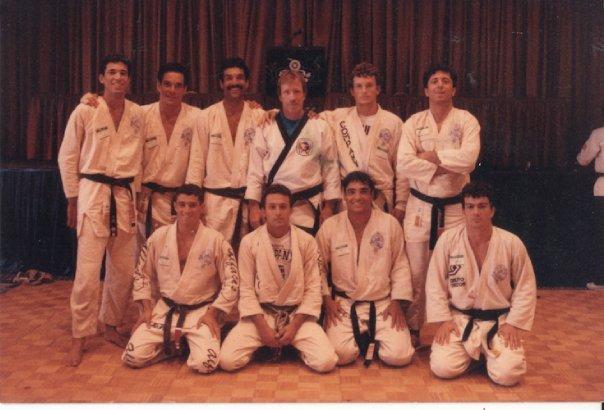 1988: Chuck Norris sullo stesso ring con 9 Gracie !!!! 1