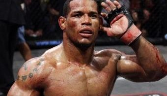 UFC on FX 7: Hector Lombard si offre volontario  6