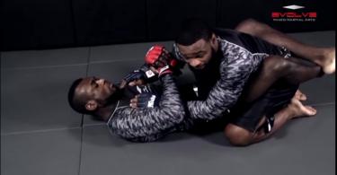 MMA-ground-pound