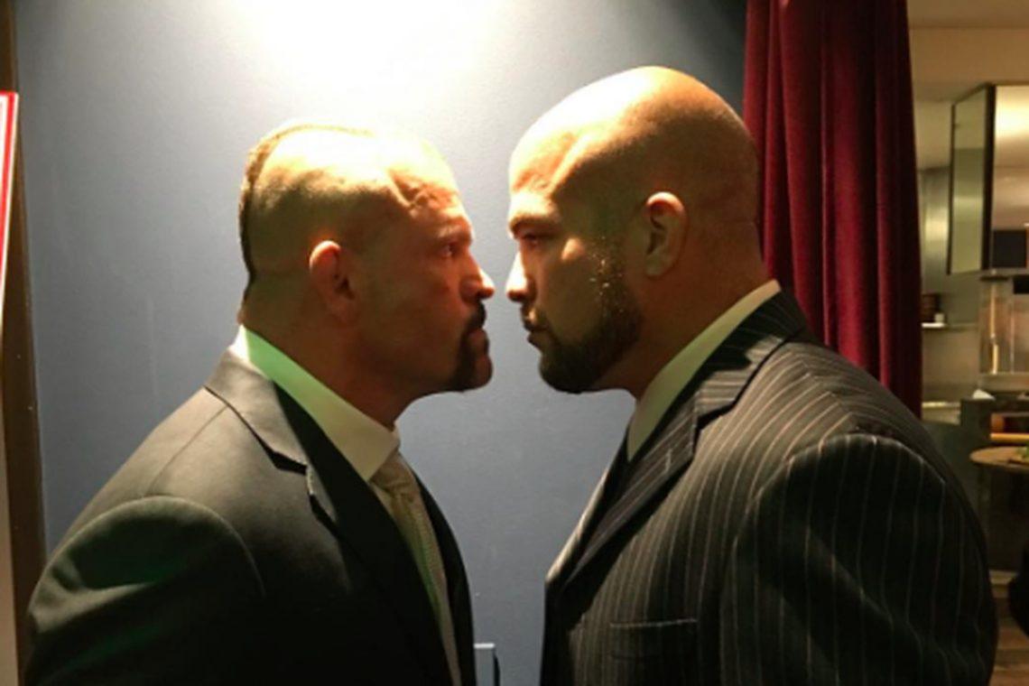 OSCAR DE LA HOYA VUOLE FARE TITO VS CHUCK 3 E PESTARE I PIEDI ALL'UFC 1