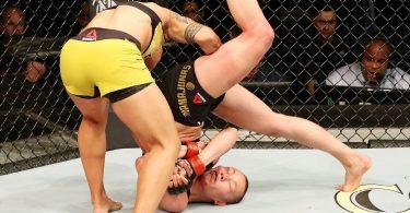Video: Tutti i KO via SLAM nella storia della UFC (vietato ai deboli di stomaco!) 11