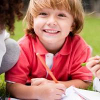 نصائح تساعد طفلك على المذاكرة