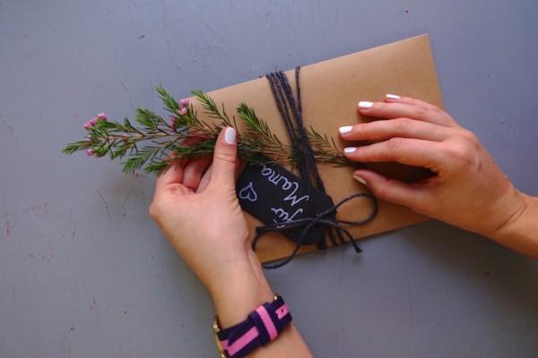 Geschenkumschlag - DIN A5, mit Kordel und Anhänger