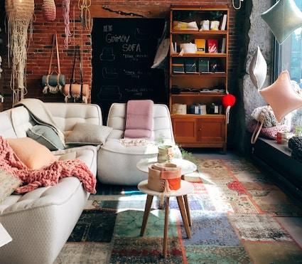 Sofa-Kissen-Wohnung