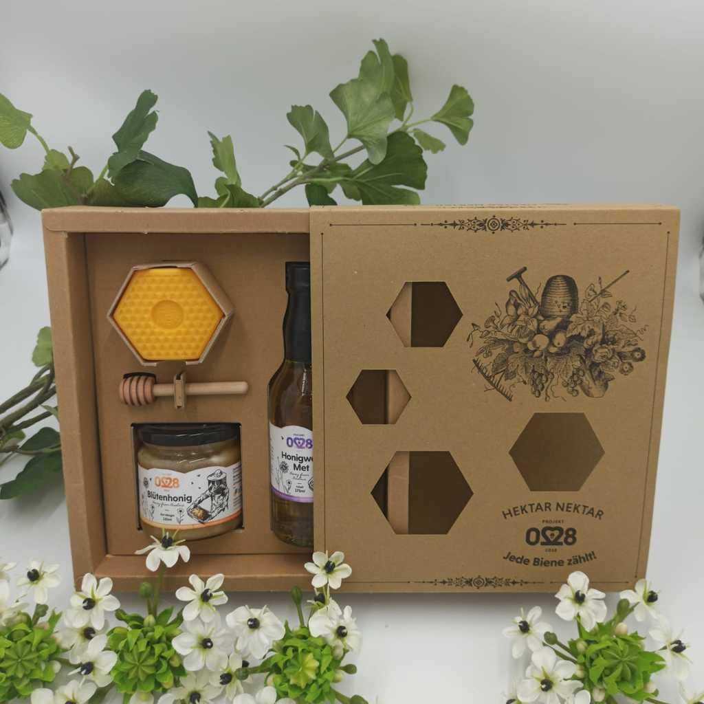 Regionaler Honig mit passendem Honiglöffel, Metwein & einer Honigseife - alles in einer ansprechenden Geschenkbox