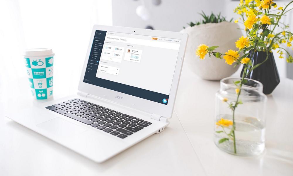 Laptop Rechnungsübersicht
