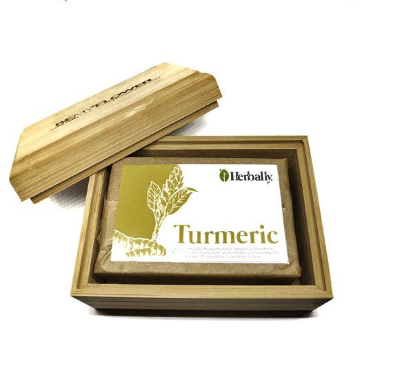 Θήκη σαπουνιού μπαμπού + σαπούνι turmeric