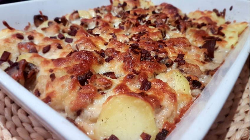 Kartoffelgratin-in-Sahnesauce-mit-Champignons