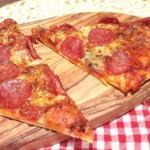 Grundrezept-dünner-Pizzaboden-mit-Hefe-Italienisch