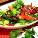 Orientalisch-gewürzter-Sommersalat