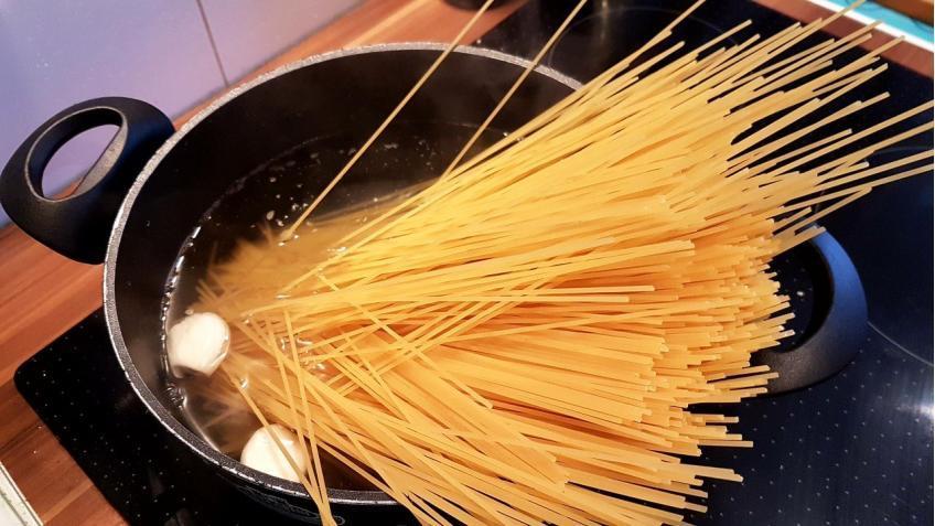 in-Salzwasser-al-dente-kochen