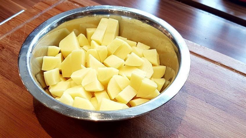 nach-etwa-30-Minuten-Kartoffeln-hinzufügen