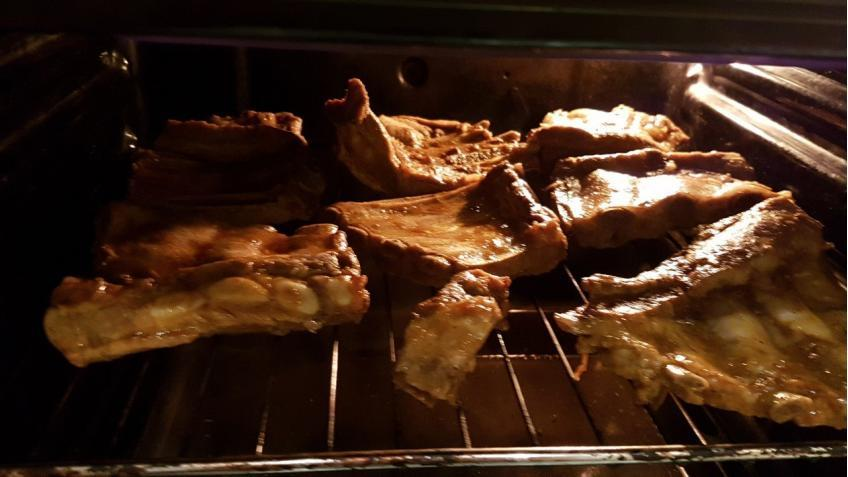 Rippchen-bei-250-Grad-in-den-Ofen-legen