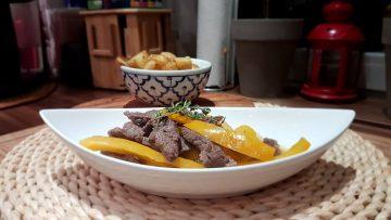 Rindfleischpfanne-mit-gelbem-Paprika