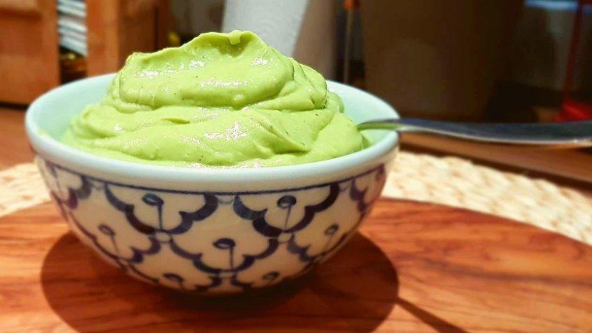Avocadocreme als Dip oder Brotaufstrich
