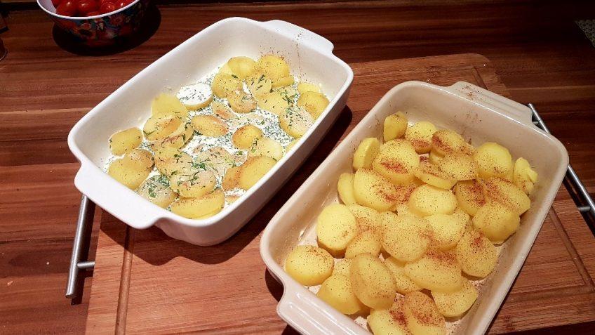 Kartoffelscheiben-und-Dill-Sahnesauce-in-einer-Auflaufform