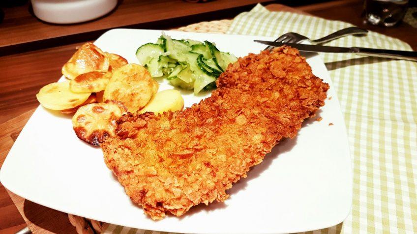 Schnitzel-mit-einer-Knusperkruse-aus-Kornflakes