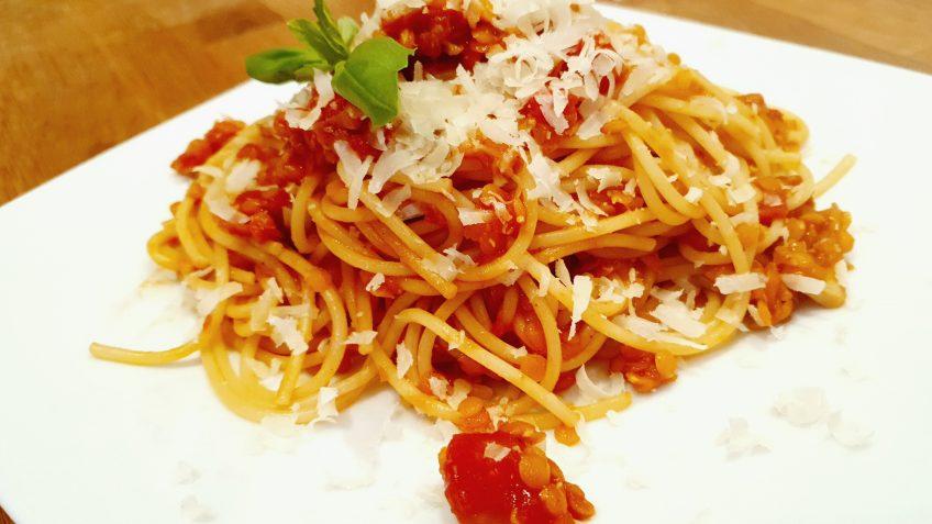 Pasta-mit-Linsenbolognese