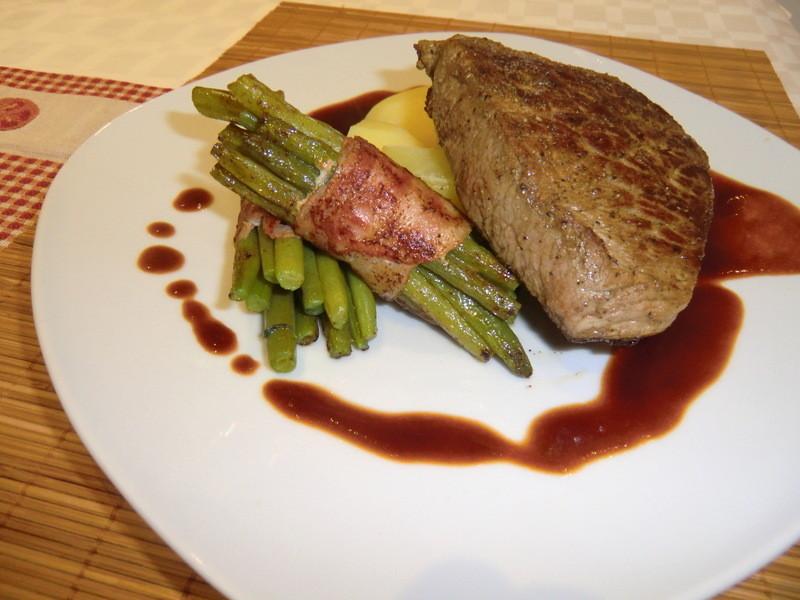 steak mit speckbohnen. Black Bedroom Furniture Sets. Home Design Ideas