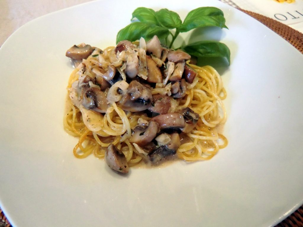 Spaghetti in Champignon Rahm Soße
