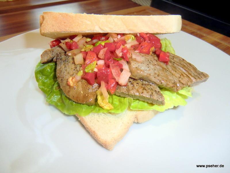 Steaksandwich mit Salsa