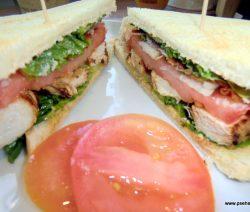 Clubsandwich mit Hühnerbrustfilet