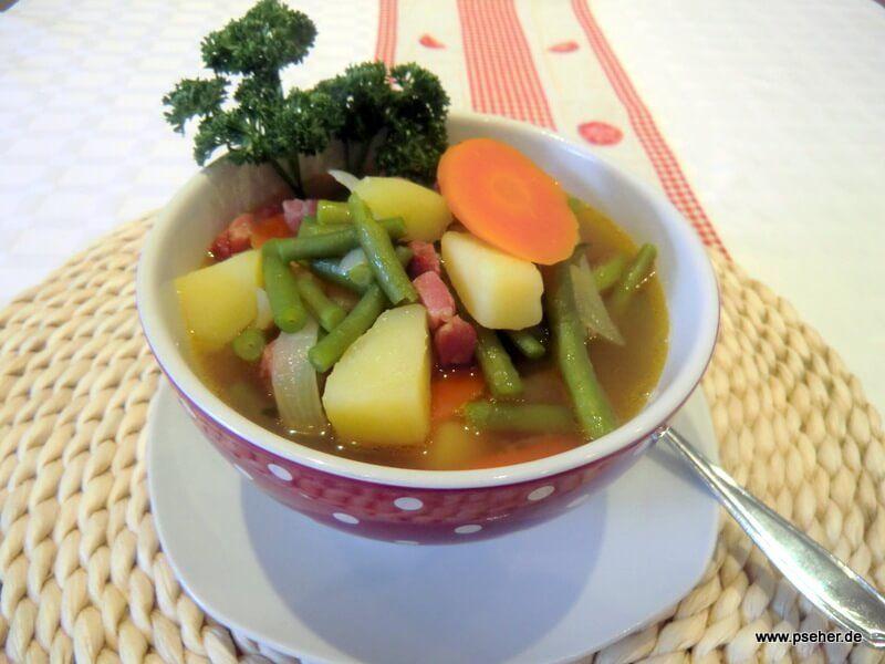 Grüne Bohnensuppe mit Kassler