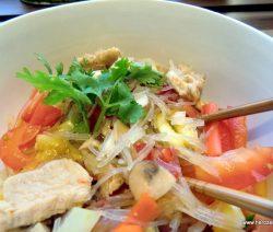 Glasnudelsalat mit Hühnerbrust und Fenchel