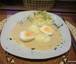 Senfeier mit Sellerie-Kartoffelstampf
