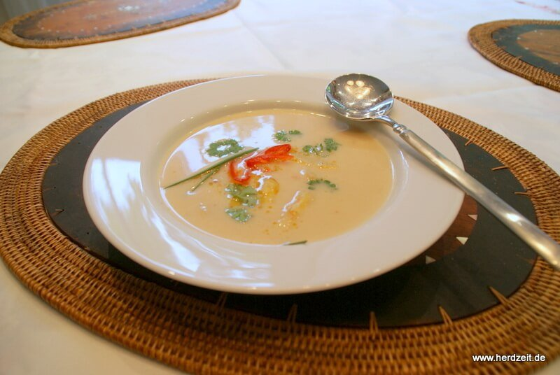 Feurige Spargelcremesuppe