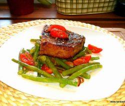 Charolais Steak auf Bohnensalat-Vinaigrette