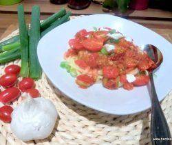 Linuine mit Kirschtomaten und Büffelmozzarella