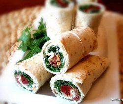 Tomaten-Rucola Wraps