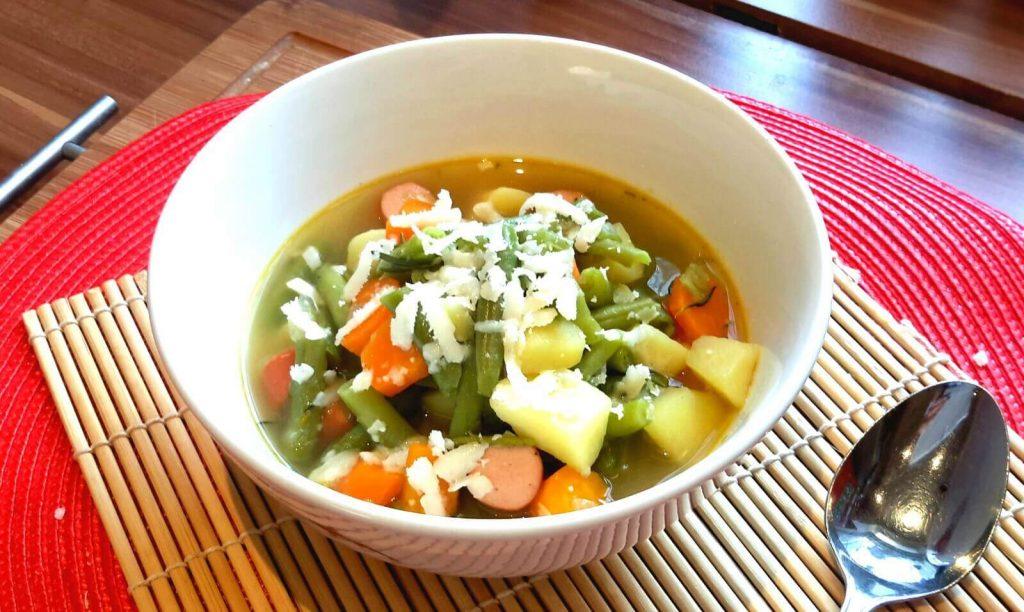 Bunte Bohnensuppe