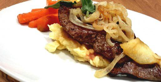 Kalbsleber mit Kartoffelstampf und karamelisiertem Gemüse