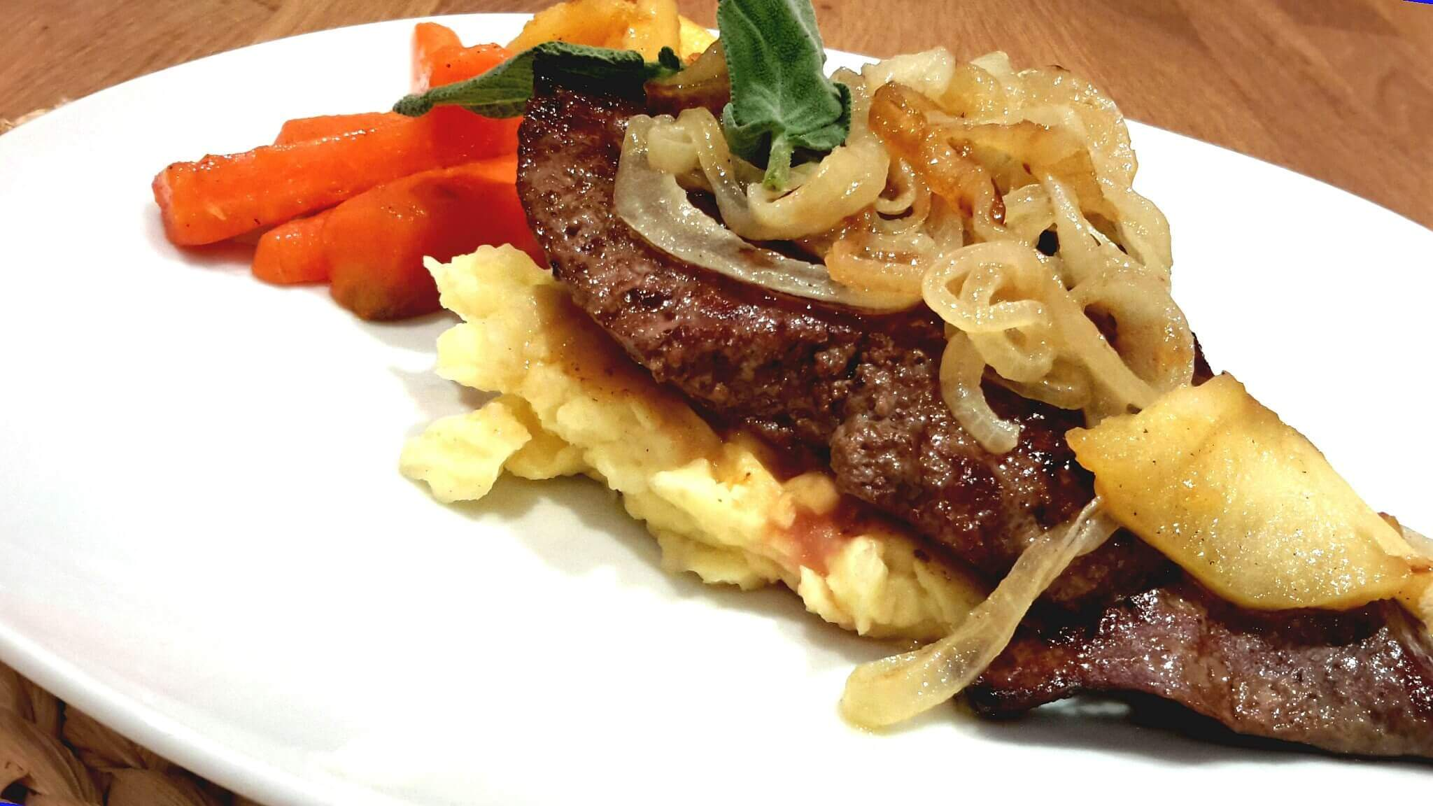 Kalbsleber mit Kartoffelcreme und karamelisiertem Gemüse