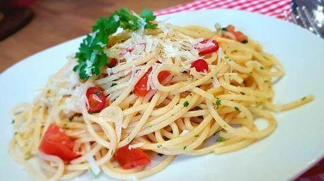 spaghetti-aioli-mit-kraeutern-und-tomaten-klein